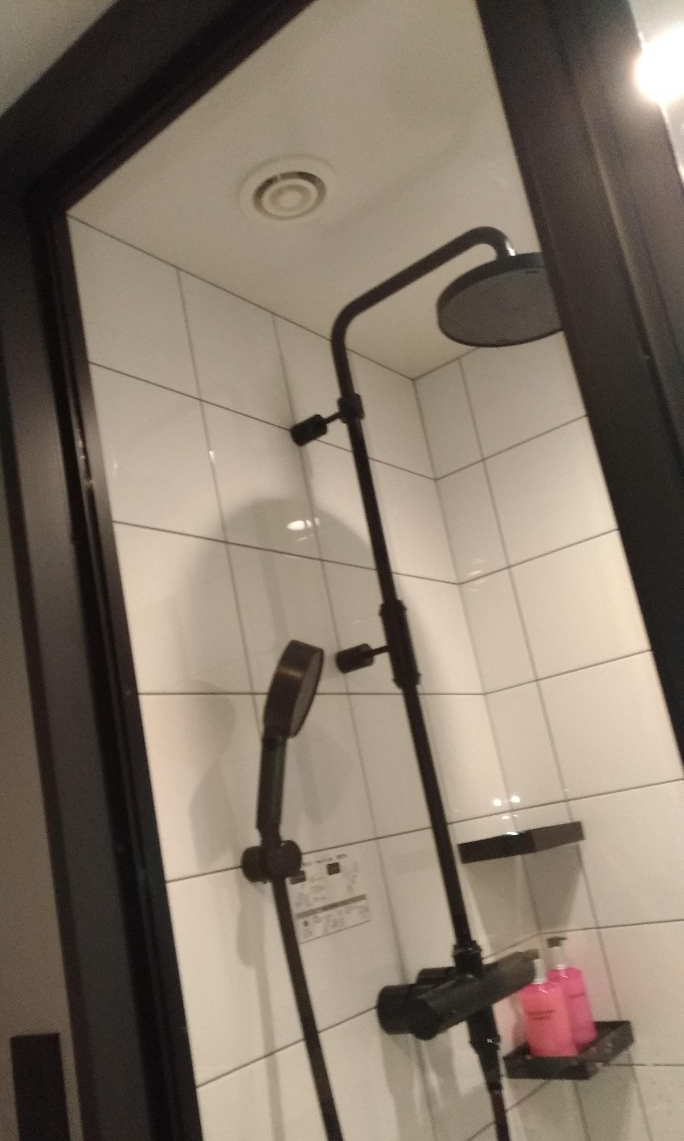 umeda_hoteru_moxy_osaka_0904_rooms_3.jpg