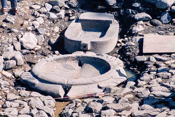 小判形石槽と亀形石槽