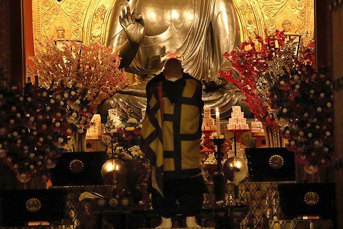 薬師寺 花会式 神供と鬼追い式2