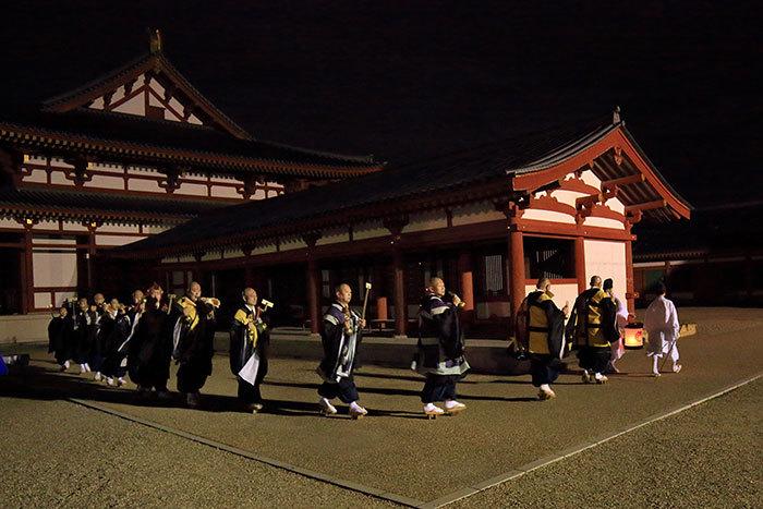 薬師寺 花会式 神供と鬼追い式6