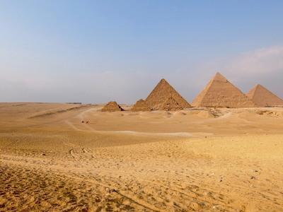 スペイン中東521ギザピラミッド