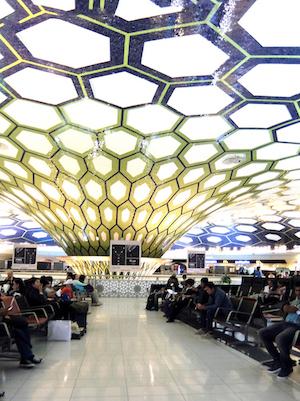 スペイン中東550アブダビ空港