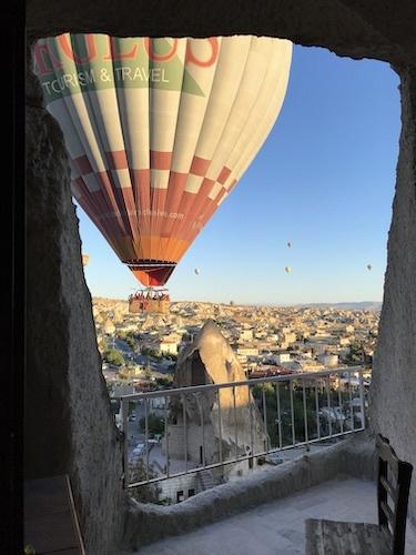 トルコ_中欧039アリフケーブホテル気球