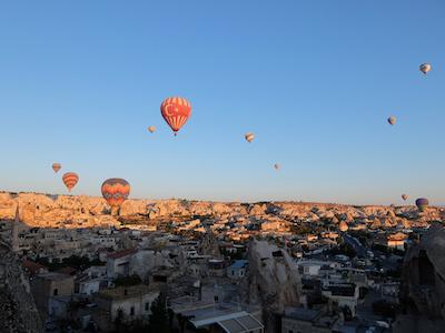 トルコ_中欧040アリフケーブホテル気球