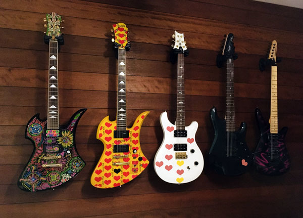 ギター壁掛け200810