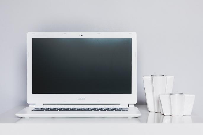desk-791379_960_720-01_convert_20200810160328.jpg