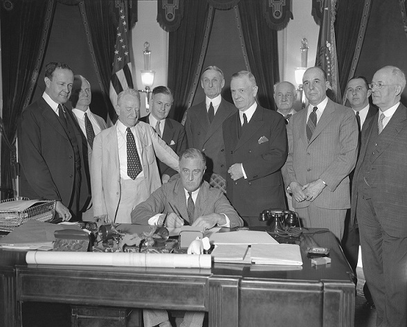 Glass–Steagall_Act