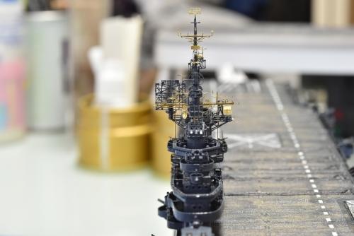 米航空母艦「バンカーヒル」(1945年2~3月頃)マスト設置2 DSC_0993◆模型製作工房 聖蹟