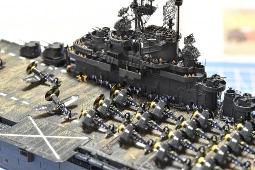 米航空母艦「バンカーヒル」(1945年2~3月頃) 人員設置中 DSC_0348◆模型製作工房 聖蹟