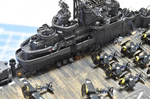 米航空母艦「バンカーヒル」(1945年2~3月頃)甲板作業車設置 Ems6QQuVoAIRNjX◆模型製作工房 聖蹟