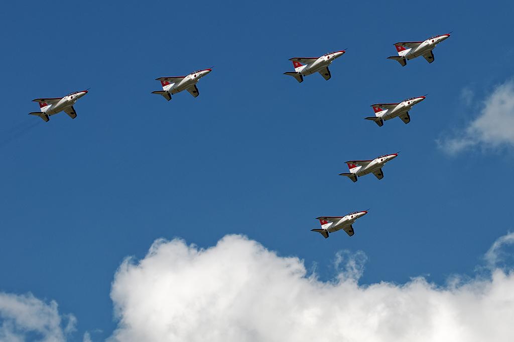 T-4 アシアン・エア・イルミネーション