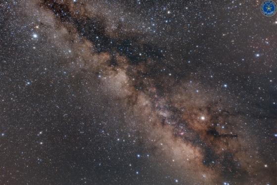 天の川銀河に戯れるバンビ