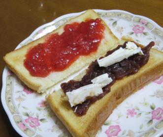 イチゴジャムとパン