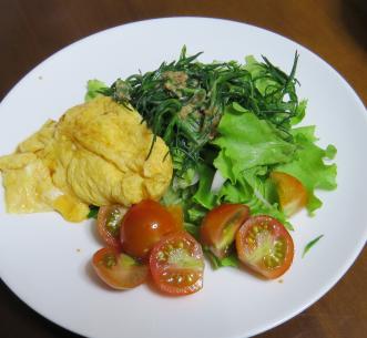 ミニトマト入り野菜サラダ