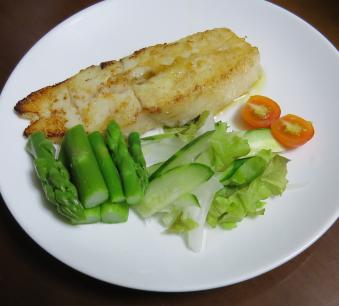 秋のアスパラと魚肉の料理