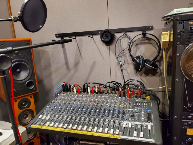 studio200621_172027.jpg