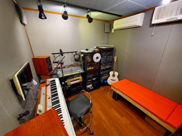 studio200621_173402.jpg