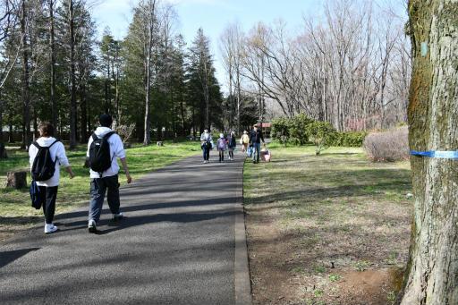 20200321・墓参り野川公園2-05・マスクしてる人多い