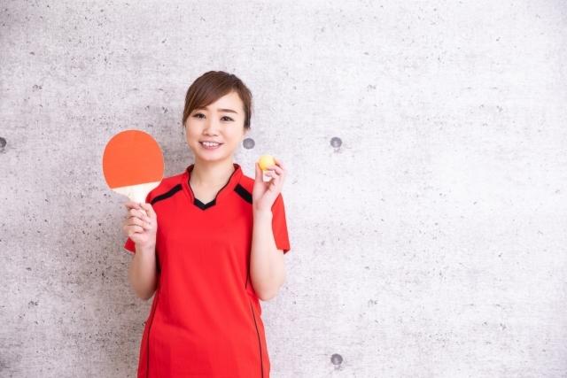 ラケット 女性 ボール 卓球 初心者