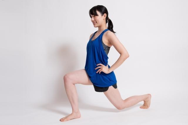 基本姿勢 ヨガ 女性 ポジション