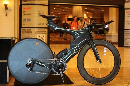 The_Falco_V_Bike_01.jpg