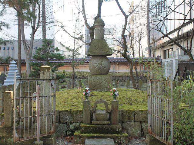 氏郷墓所IMG_7360
