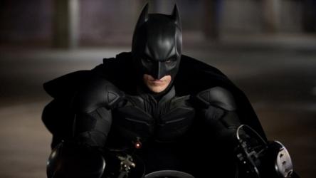 【悲報】女さん、バットマンにある事を指摘されて早口になってしまう