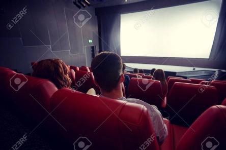 【悲報】映画会社「ネット公開で儲かることが判明した。もう映画館いらなくなるかも」
