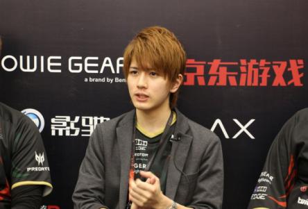 お前ら「プロゲーマーはブサメンばかりwww」ワイ「それでは日本最強のFPSプレイヤーをご覧ください」