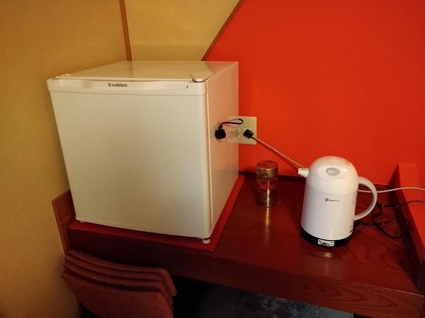 冷蔵庫、電気ポット