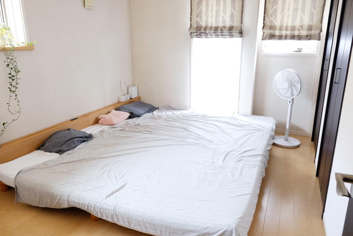 ニトリ・タオルケット (NクールSP GY)・寝室・ベッド①