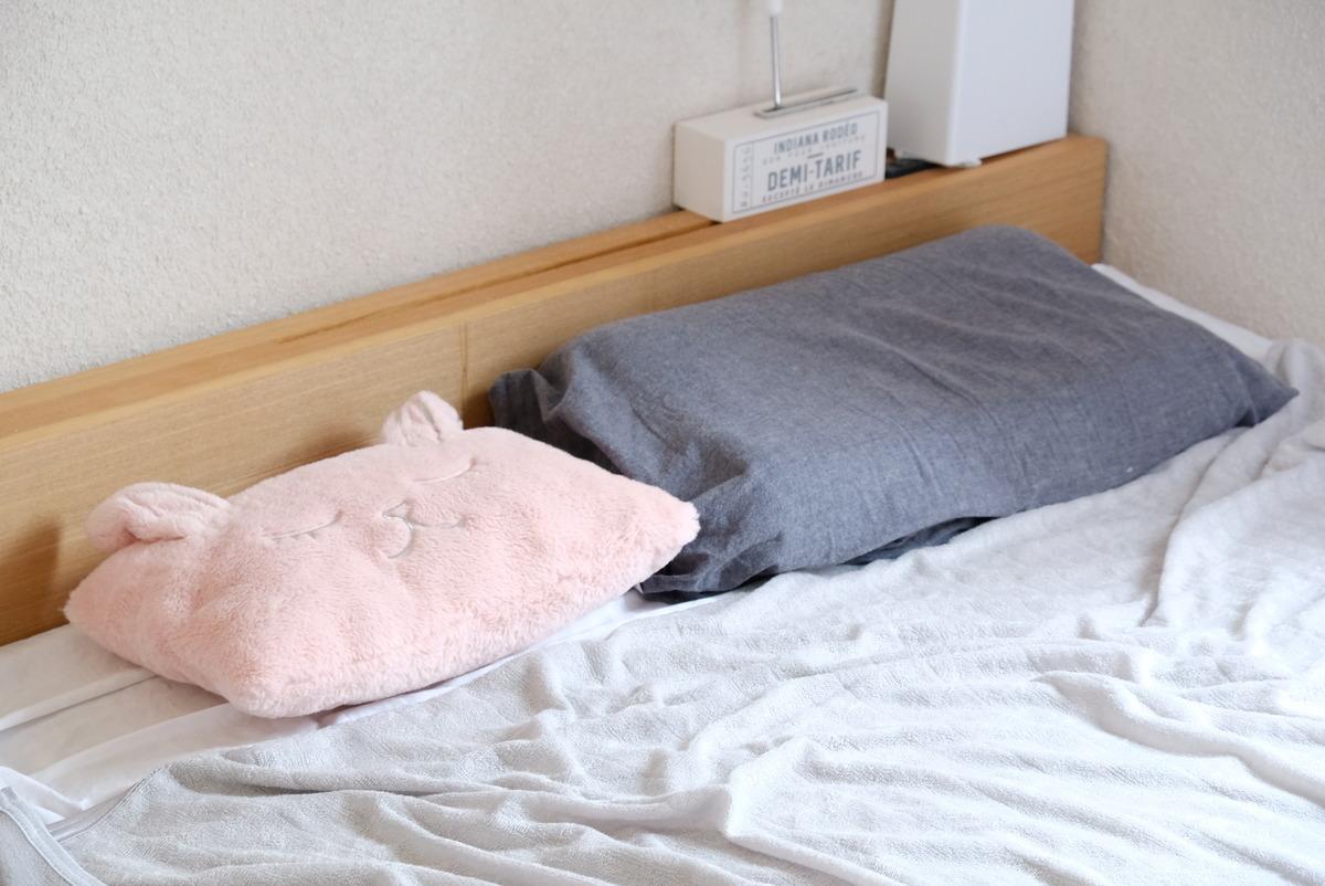 ニトリ・タオルケット (NクールSP GY)・枕にもなるクッション①