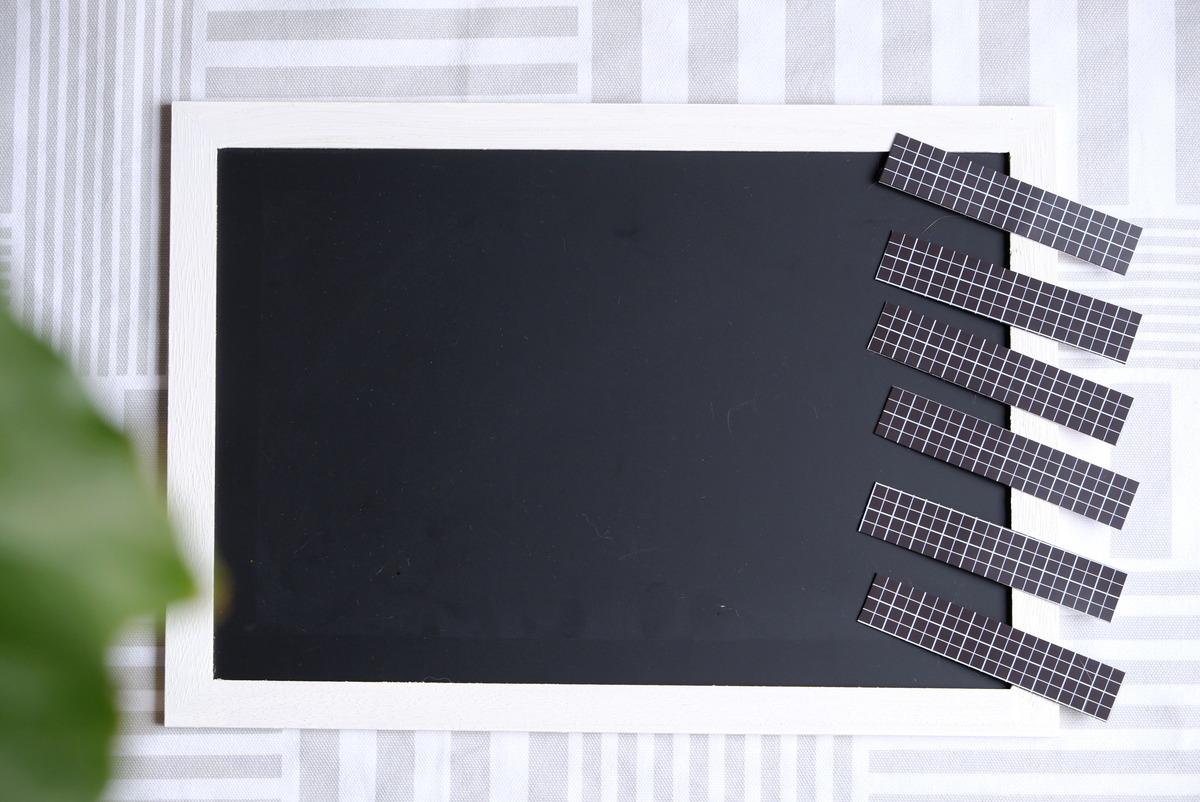ダイソー・木製ブラックボード・粘着付 マグネットシート・小学生やることボード③
