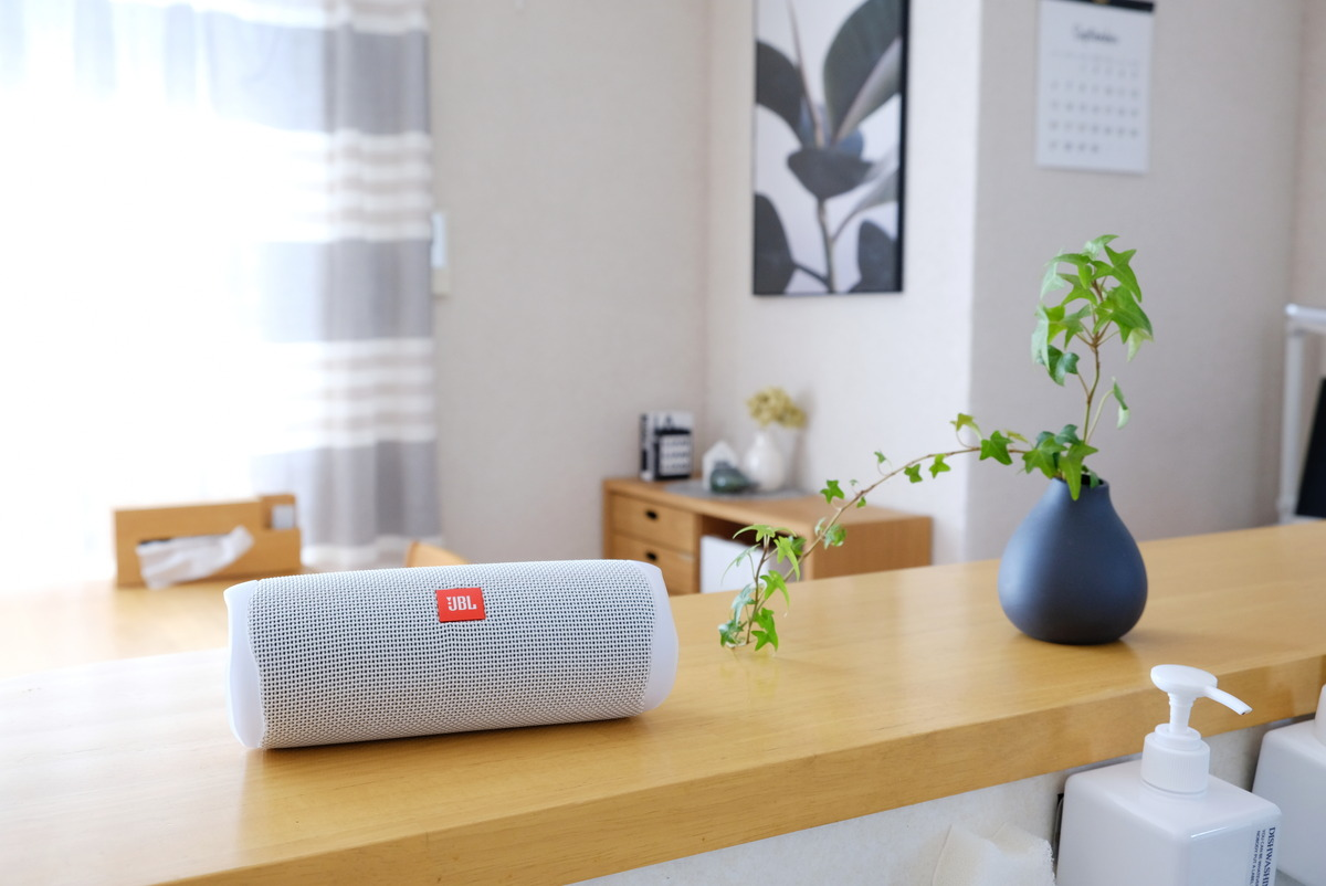 JBL・Bluetoothスピーカー・FLIP5・ダイニング・キッチンカウンター①