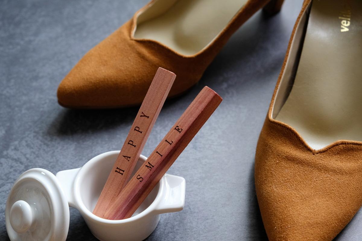 ダイソー・レッドシダーブロック(6個)・靴・①