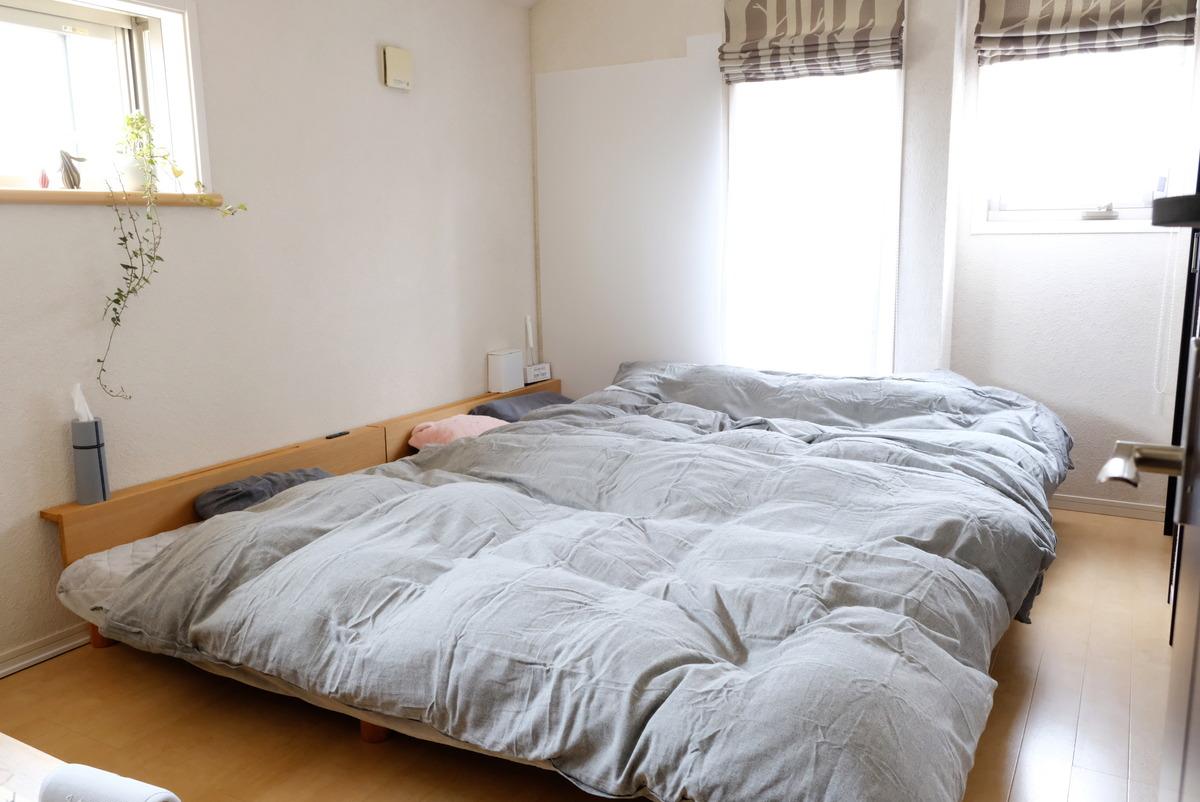 ニトリ・ひもなしラクラク掛ふとんカバーNグリップフラノヘリンoGY・寝室全体②