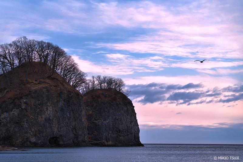絶景探しの旅 - 絶景写真 No.1274 二ツ岩の夜明け (北海道 網走市)