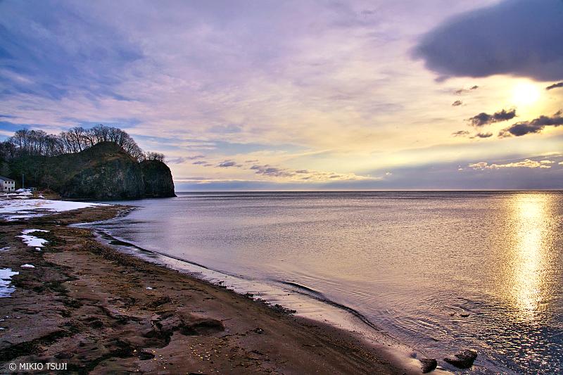 絶景探しの旅 - 絶景写真 No.1286 二ツ岩と朝の海の風景 (北海道 網走市)