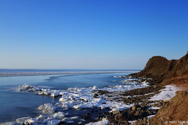 絶景探しの旅 - 絶景写真No.1298 流氷リングに囲まれるオシンコシン岬 (北海道 斜里町 ウトロ西)