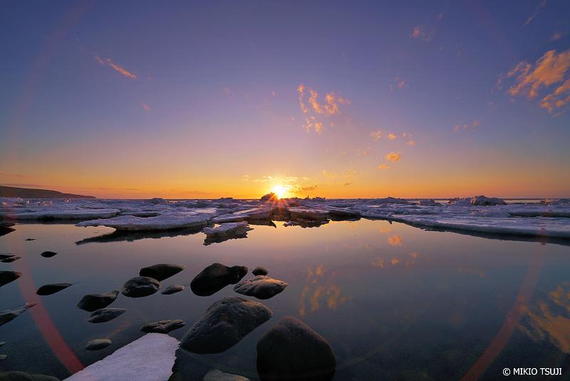 絶景探しの旅 - 絶景写真No.1305 夕暮れの知床西海岸 (北海道 斜里町 ウトロ西)