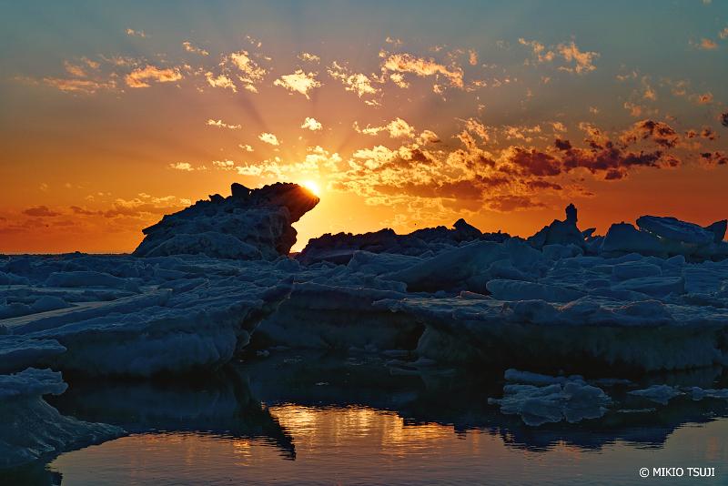 絶景探しの旅 - 絶景写真No.1306 北洋のゴジラ流氷 (北海道 斜里町 ウトロ西)