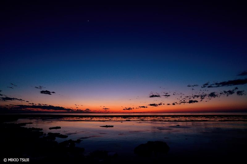 絶景探しの旅 - 絶景写真No.1318 薄暮のオホーツク海 (北海道 斜里町)