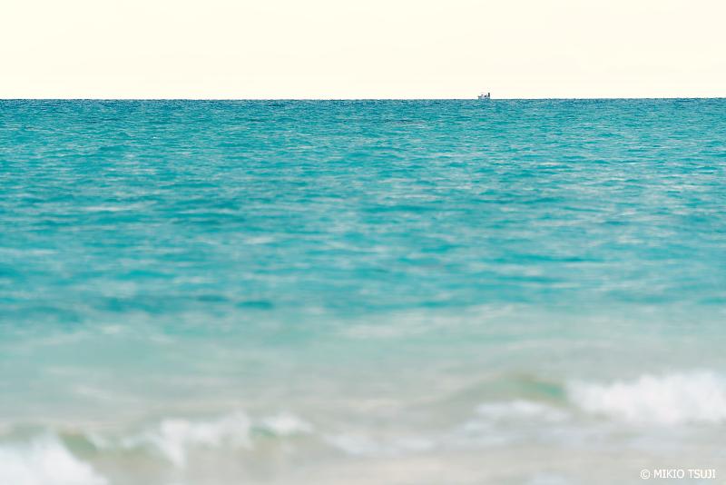 絶景探しの旅 - 絶景写真No.1342 無人島で助けの船を待つ気分になる (浜島 沖縄県 八重山郡 竹富町)