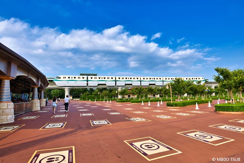 絶景探しの旅 - 絶景写真 No.1442 夏空の午後 (ディズニーリゾートライン/千葉県 浦安市)