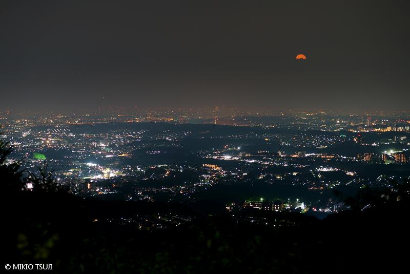 絶景探しの旅 - 絶景写真 No.1458 高尾山からの東京夜景 (東京都 八王子市)