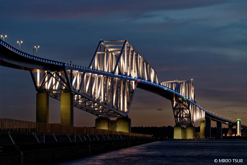 絶景探しの旅 - 絶景写真 No.1473 昼と夜の間 (東京ゲートブリッジ 東京都 江東区)