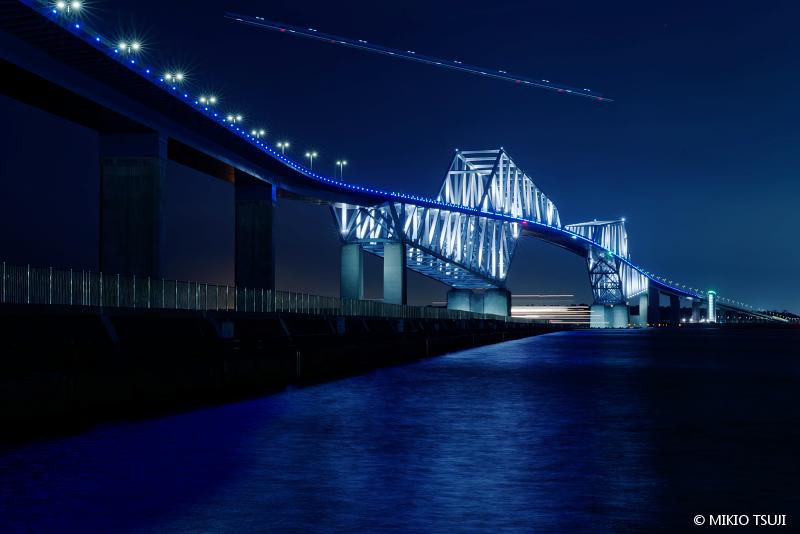 絶景探しの旅 - 絶景写真 No.1474 空と海のライン (東京ゲートブリッジ/東京都 江東区)