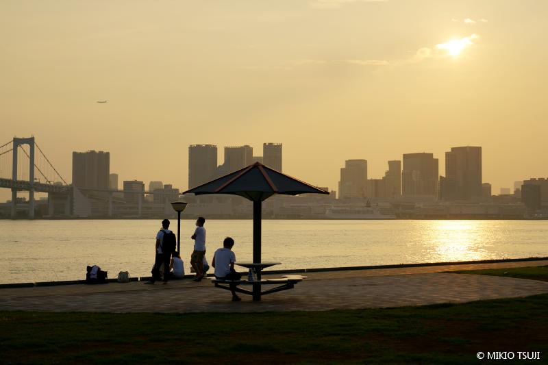 絶景探しの旅 - 絶景写真No.1485 空を見上げれば (豊洲ぐるり公園/東京都 江東区)