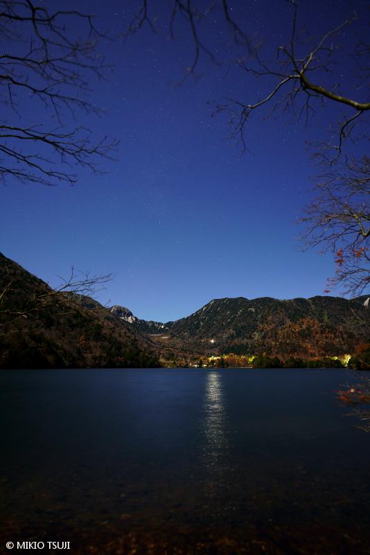 絶景探しの旅 - 絶景写真No.1492 奥日光 湯ノ湖畔の夜 (栃木県 日光市)