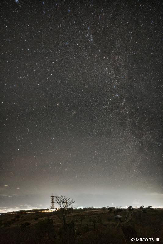 絶景探しの旅 - 絶景写真 No.1508 高原の夜 (高ボッチ高原/長野県 岡谷市)